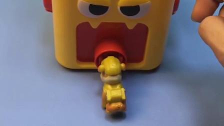 汪汪队小力的鼻子卡住啦,蘑菇大炮吸出了小力,小力总算出来了!