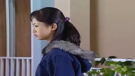 杨紫:杨紫被时髦的女子拦住,女子摘下墨镜,杨紫尖叫了