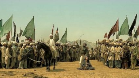 这场大战我服了!21人血战万人大军,刺激至极,不愧是战争大片!
