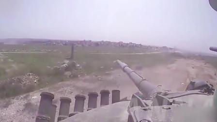 叙利亚战场实录:刚躲过反坦克导弹又踩到地雷,驾驶员内心是崩溃的