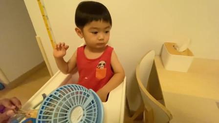 香港人的生活:香港菲佣姐姐用新鲜香草制作烤鸡,2岁小朋友吃不停,全家都爱!