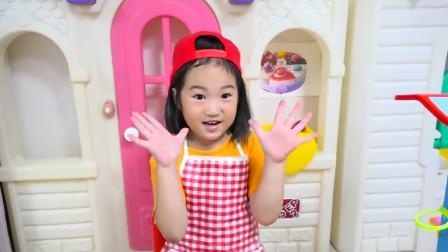 美国儿童时尚,小女孩用沙子做冰淇淋,真是太有趣了