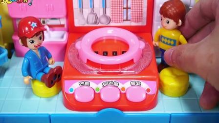 小巴士可以做饭野营的房车玩具儿童卡通玩具