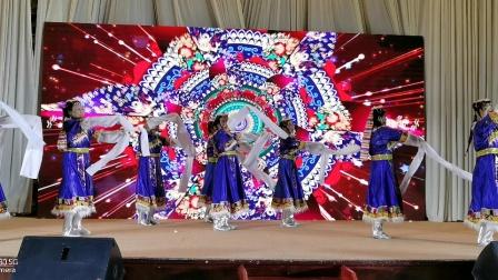 藏族舞《心上的罗加》表演者:李淑华等 东营枫叶正红舞蹈队     (谷九展录制)