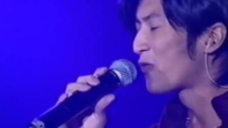 谢霆锋翻唱最成功的一首歌,翻唱张国荣《今生今世》,闭上眼以为哥哥回来了