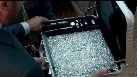劳斯莱斯魅影藏着核弹,买家直接用一箱钻石来换