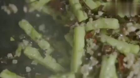 舌尖上的中国:四川一绝的下饭菜,既能当菜又是佐料主食最佳陪伴