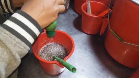 印度街头的特色芦荟汁,整杯饮料连着不断,看完让人根本不敢喝!