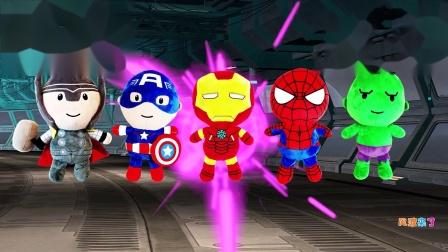 寻找正确的超级英雄玩具 钢铁侠 蜘蛛侠