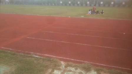这个就是宿州市应用技术学校(百丽校区)的操场