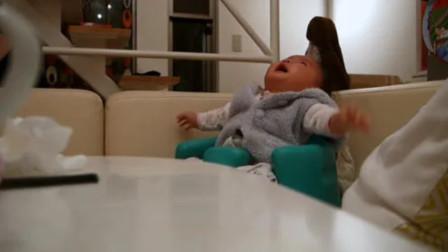 小宝宝哭的正凶,没想到爸爸一放神曲,小娃直接阴转晴太萌了!
