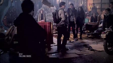 陨落星辰:哈尔和弟弟追回了摩托,哈尔环顾四周,发现这都是孩子