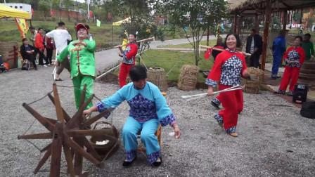 湖北枝江:农民朋友经典演绎《军民大生产》