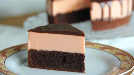 蓬松绵密,味道丰富的布朗尼草莓慕斯蛋糕