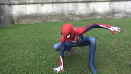 蜘蛛侠翻跟头好辛苦
