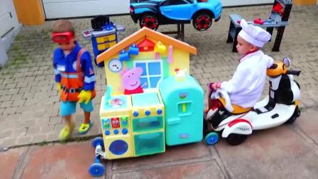 萌娃小可爱趁哥哥不注意开走了他的小餐车,小家伙可真顽皮!—萌娃:借我玩一会儿呗!
