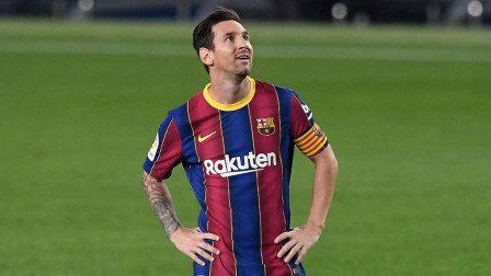 法蒂梅开二度,梅西点射,巴萨4-0比利亚雷亚尔取西甲开门红