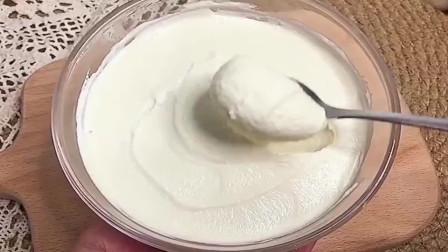 在家用牛奶自制奶酪,只需要简单3步,细腻嫩滑!