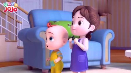 超级宝贝:小朋友坐在沙发上,哥哥想玩捉迷藏,一定非常有趣