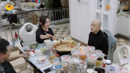 袁姗姗家里是典型的脏乱差,维嘉神补刀,吴昕爸爸一脸尴尬