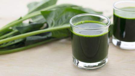 菠菜汁做法 - 揉入面粉中做馒头、面包、面条或饺子皮
