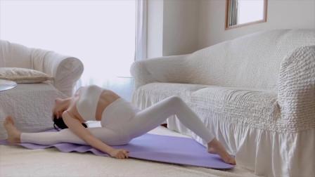 瘦腰瘦腿的瑜伽练习,开胯式伸展拉伸,消除大腿多余脂肪