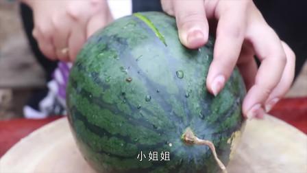 柬埔寨女孩用西瓜和椰子,做夏日果冻甜点,好吃的不像话