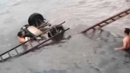 安徽六安一轿车冲断护栏坠河致3,1人为武汉青山区女副区长