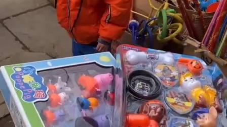 童年趣事:妈妈又给宝宝买新玩具啦