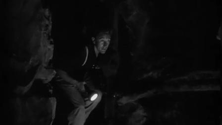 倒扣的王牌:里奥听到泰顿的声音给他回应,泰顿顺着声音找过去