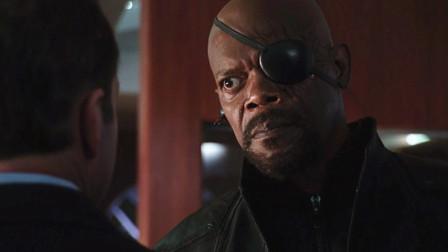 神盾局局长一出场,直接就怒怼科尔森,真是霸气