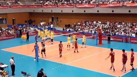 中国男排VS日本男排,赛前4号位扣球对决【换个视角看排球】