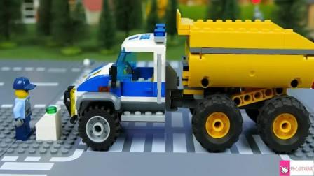 乐高卡通动画积木拼装工程车卡车挖掘机汽车玩具
