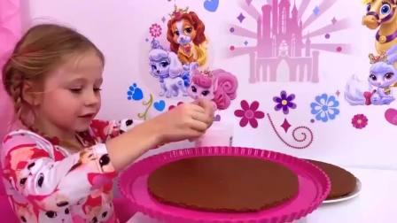 美国萌宝时尚,小萝莉自己做生日蛋糕,真厉害呀