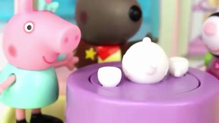 小猪佩奇创意趣味蛋糕店,制作巧克力食玩惊喜玩具套装。