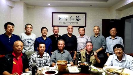 2020金秋十月13位同事聚安庆-二胡演奏:晚秋