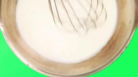 【抹茶白巧克力淋面慕斯】,你喜欢吗