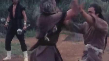 少林兄弟:项忠仁山野中遇敌,二话不说直接开打,场面太凶猛