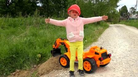 国外萌宝时尚,宝宝在玩儿童挖掘机,一块来看看吧