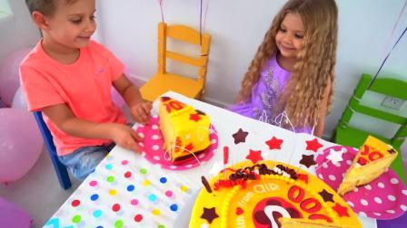 外国儿童时尚,萌娃们一起吃生日蛋糕,好开心呀