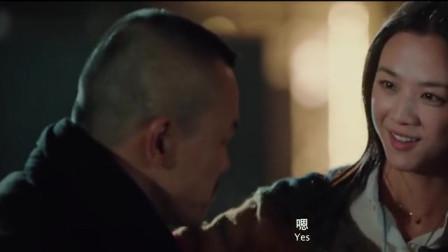 烂头何:勤亲王掩护何真,让何真从窗户逃走,他把官兵打发走了