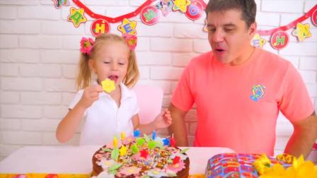 美国儿童时尚,小萝莉和爸爸一起吃生日蛋糕,好想吃呀