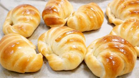 烤面包不用买自己在家做,外酥里软,金黄美味,蓬松暄软无添加
