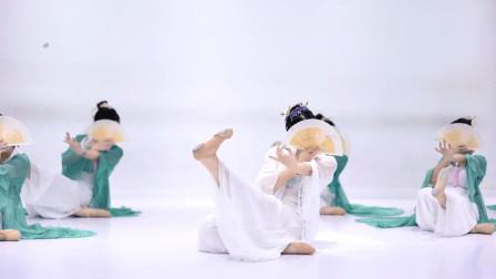 全网超火的国风曲子《谪仙》,超级适合跳古典舞,你学会了吗?