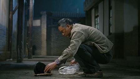 陈志辉真有爱心,给小野猫拿了一整条鱼吃!