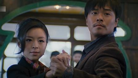 看陈思诚跟张静初跳舞,有板有眼,绝对是专业的!