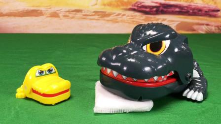 玩具柜子:小鳄鱼和小恐龙DW boys的友谊故事 干炒花生和枕头
