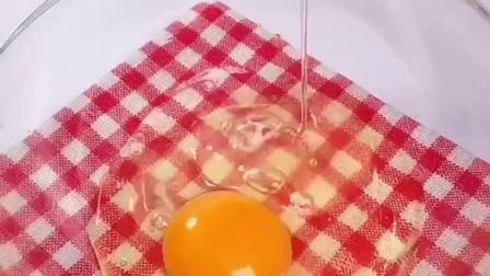 两个鸡蛋一瓶酸奶就可以做蛋糕