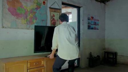 贫困户一听村委会来人了,赶紧把电视和音响全藏起来,然后开始哭穷!
