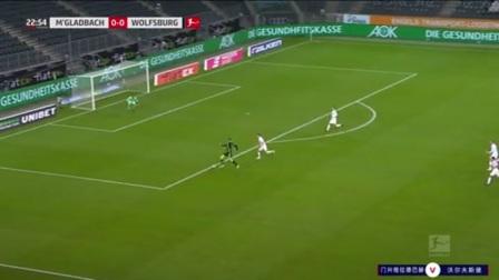 第23分钟沃尔夫斯堡球员韦格霍斯特射门 - 打偏